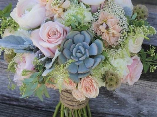 The 10 Biggest Trends in Wedding Flowers Right Now