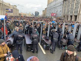 Штрафы за неповиновение полиции увеличат в 4 раза, а организаторов митингов будут штрафовать за...