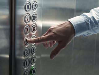 Обязана ли УК следить за состоянием лифтов в многоквартирном доме - позиция Минстроя