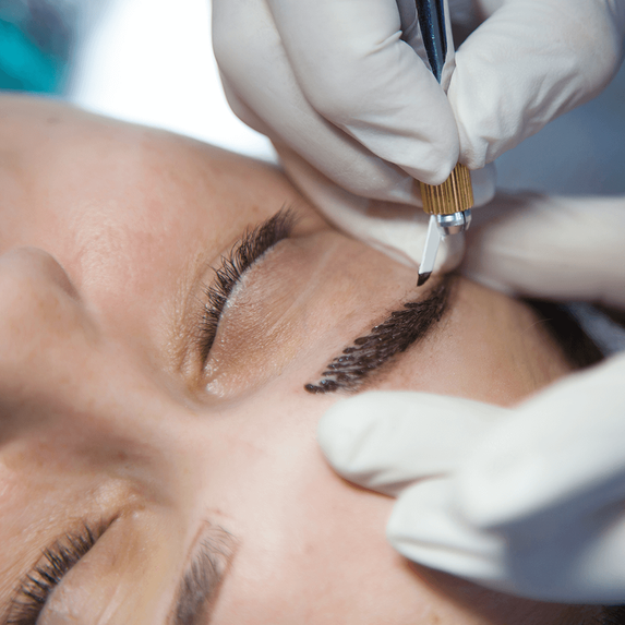 Ladies, we'd like to introduce you to the hottest new trend in eyebrows, microblading!
