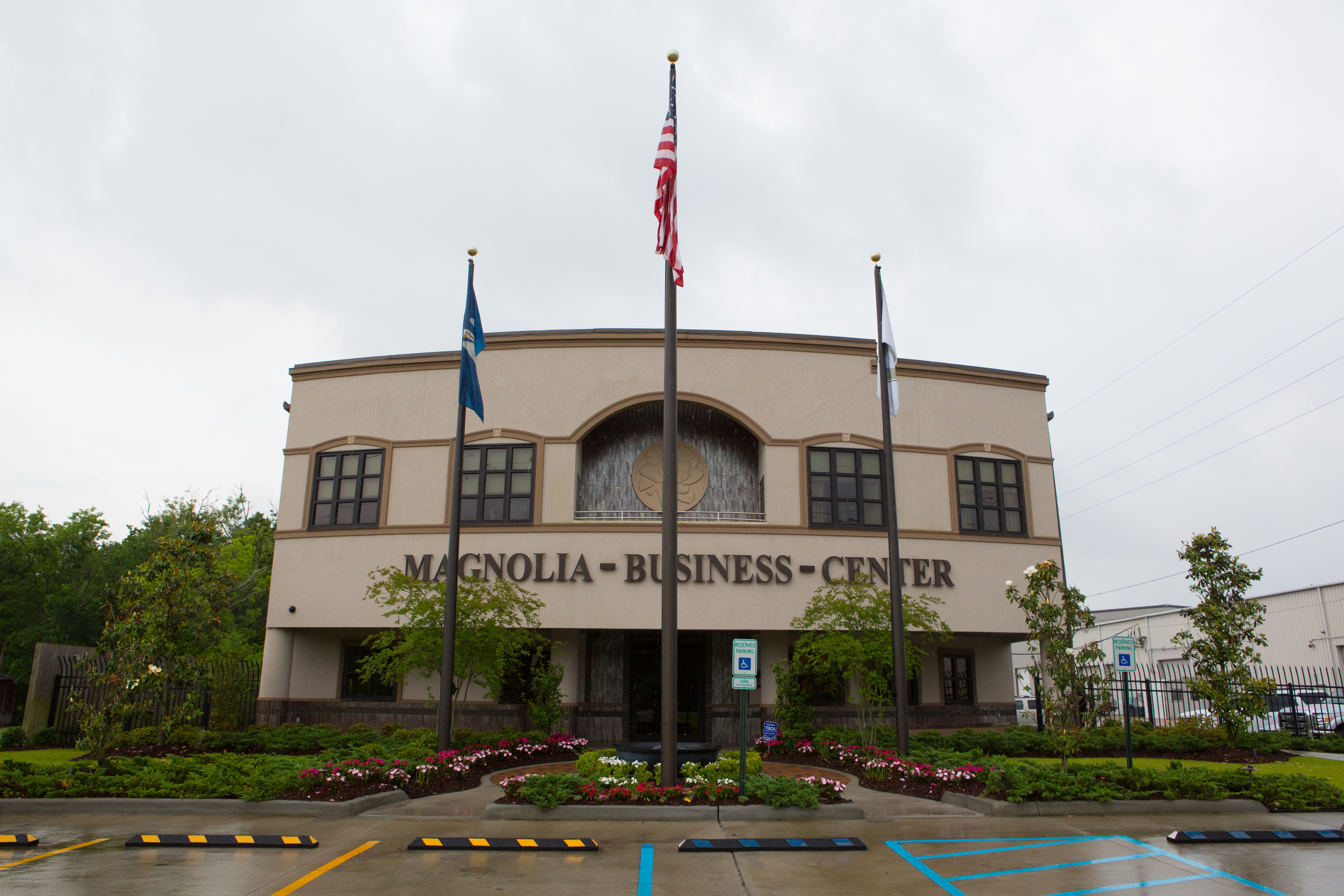 Magnolia Business Center Images By Robert T