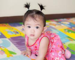 toddler crawl