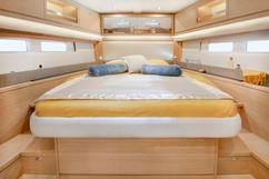 Dufour-530-master-cabin-LFRUCHAUD_LFA825