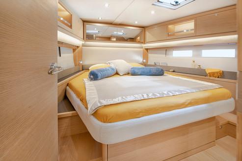 Dufour-530-master-cabin-LFRUCHAUD_LFA824