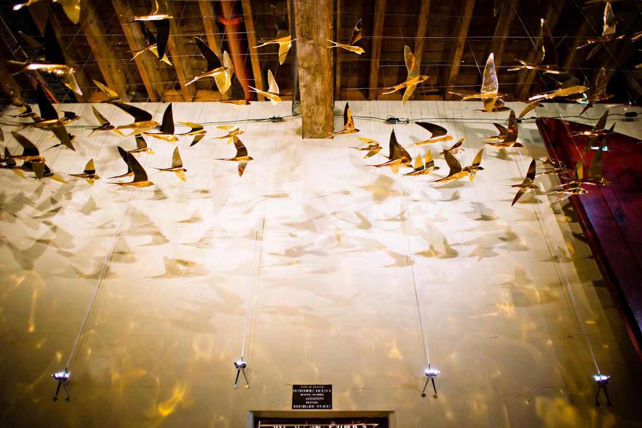 Flocking Birds. 250 Gold birds