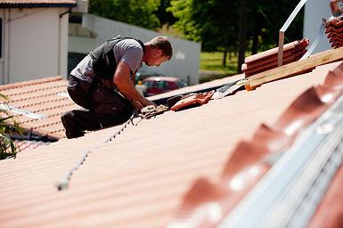 couverture-isolation-toiture-zinc-tuiles