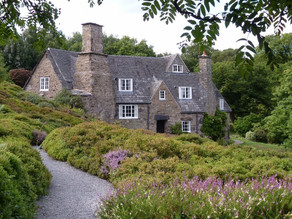 12 ARTS AND CRAFTS HOUSES YOU CAN VISIT IN ENGLAND