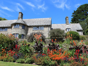 A VINTAGE STAY IN THE CHAUFFEUR'S FLAT AT COLETON FISHACRE, DEVON