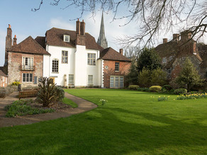 INDEPENDENT HOLIDAY ACCOMMODATION IN SALISBURY