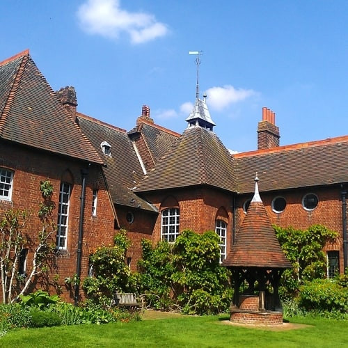 The Red House in London wheer William Morris lived.