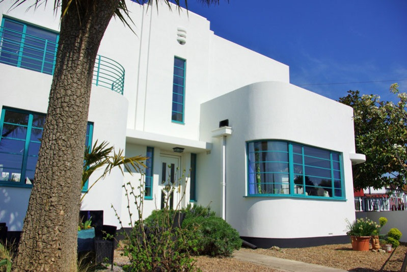 The outside of the art deco house which is the B&B