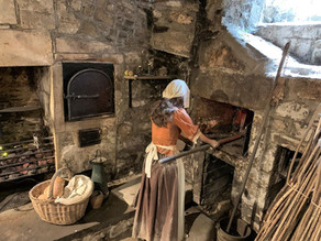 VISITING SALLY LUNN'S RESTAURANT AND MUSEUM IN BATH - HOME OF THE BATH BUN
