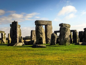 WAYS TO VISIT STONEHENGE (AND HOW TO SEE IT FOR FREE) 2021