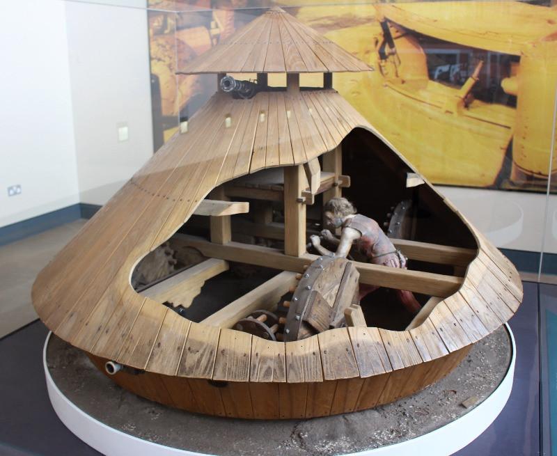 A model of the Da Vinci tank