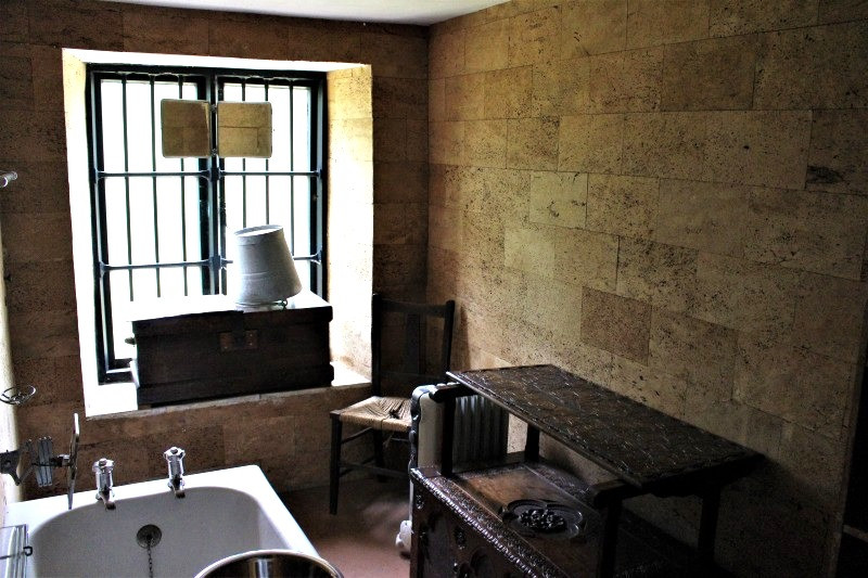 The dark bathroom in Clouds Hill.