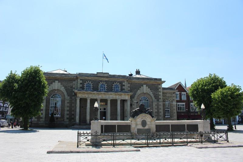 The Guildhall in Salisbury behind the War Memorial