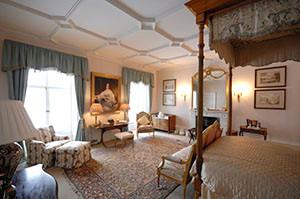 The Mercia bedroom in Highclere Castle.