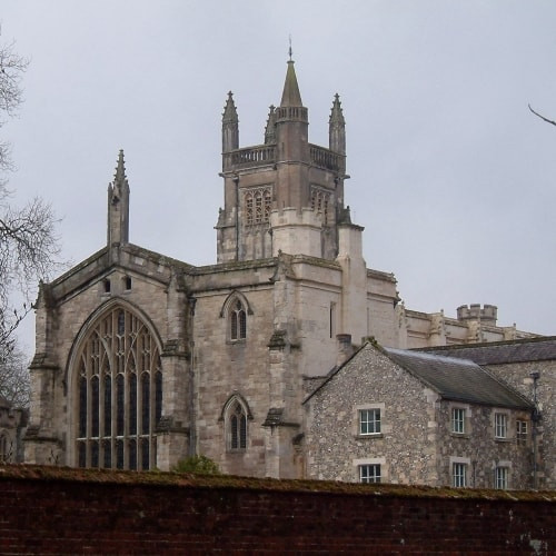 The exterior of Winchester College i Hampshire.