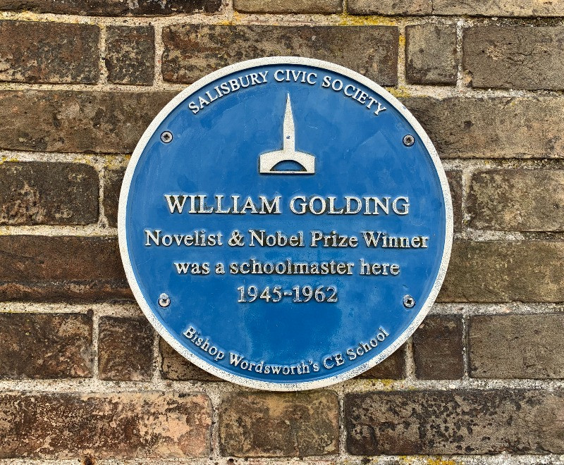 A close up of the blue plaque dedicated to William Golding