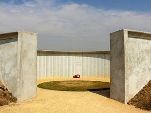 THE MEMORIAL TO ARMY FLYING AT MIDDLE WALLOP