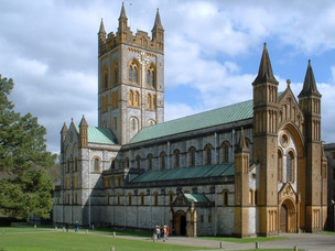 WORKING ABBEYS AND MONASTERIES YOU CAN VISIT IN THE UK