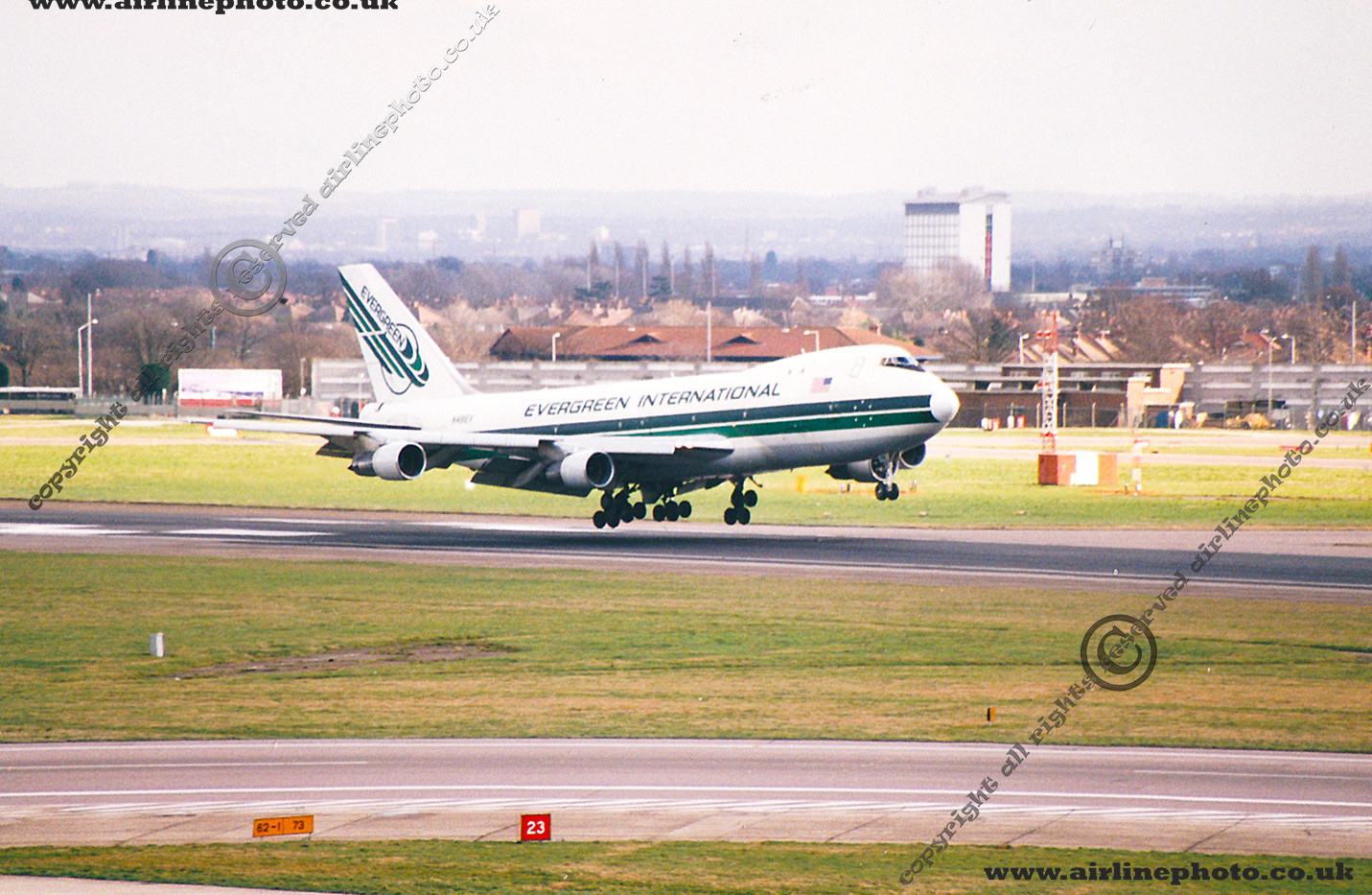 N481EV-Evergreen-747-LHR-2000.jpg