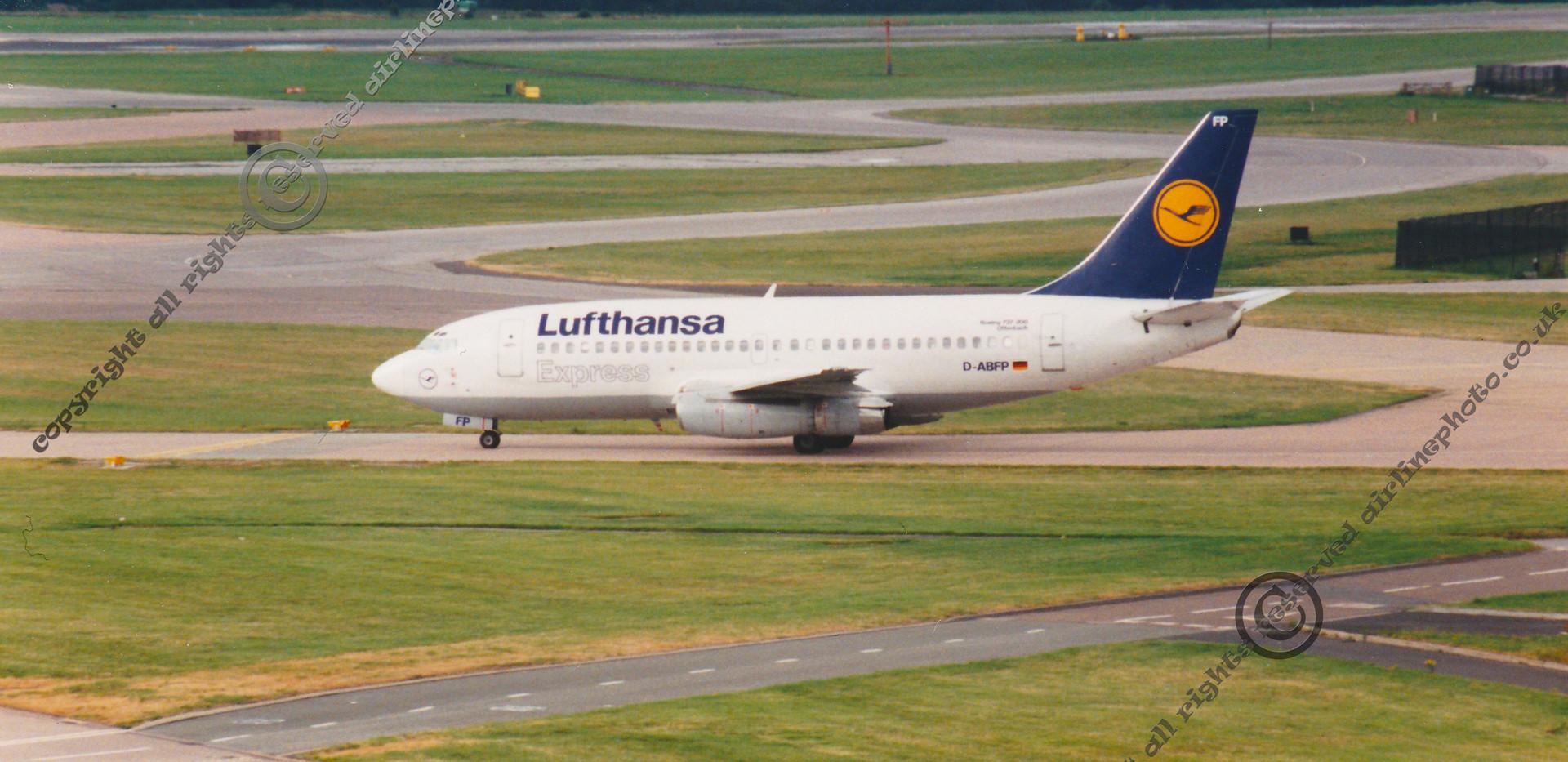 D-ABFP-Lufthansa-737-230.jpg