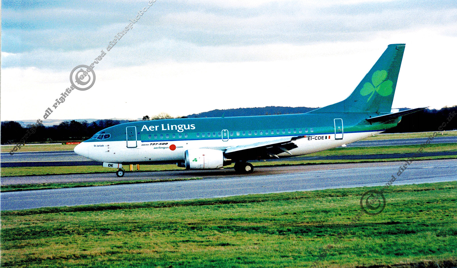 EI-CDE_737-500_MAN_2003.jpg