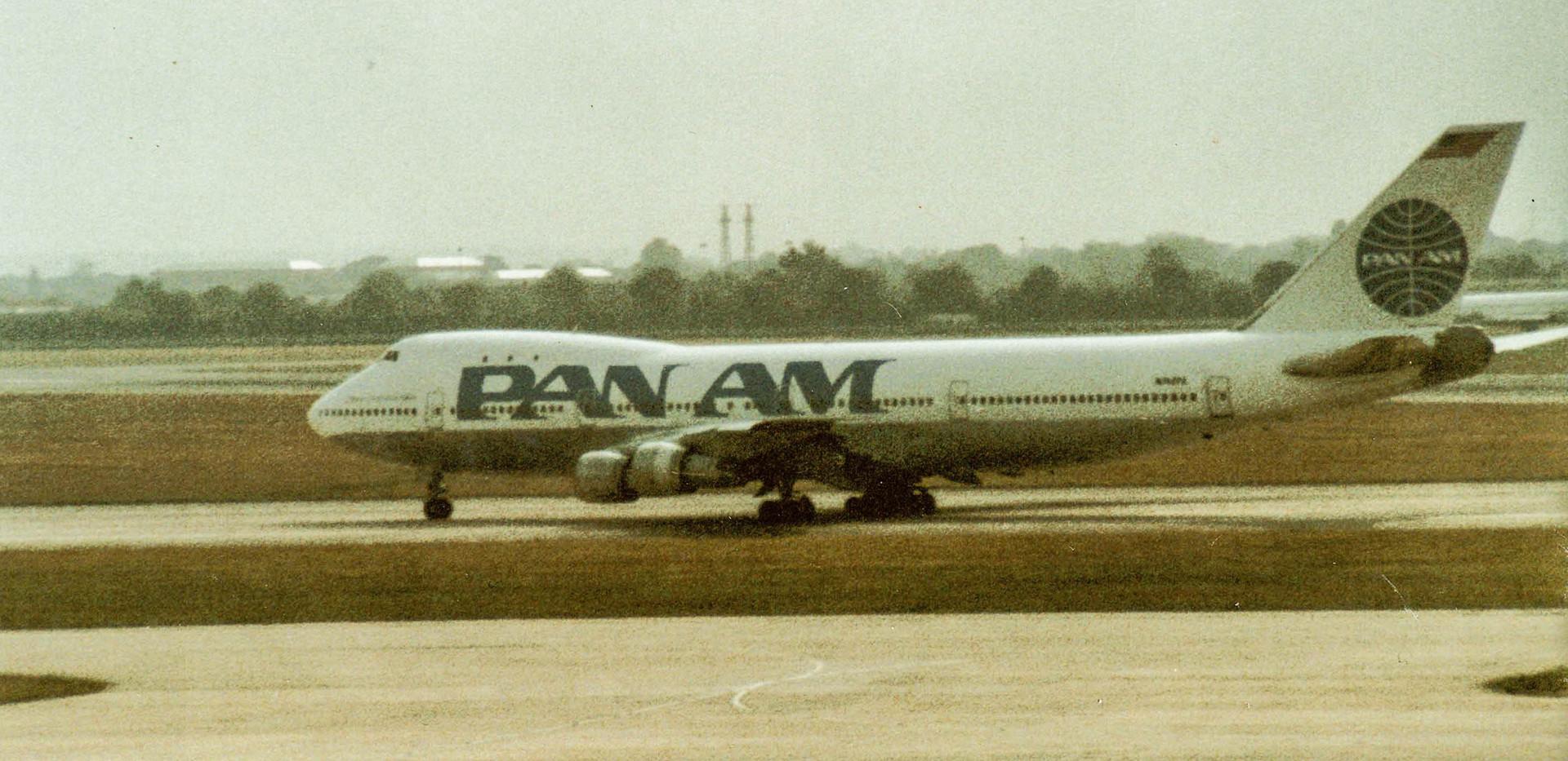 pan-am-747-1990s_24352361797_o.jpg