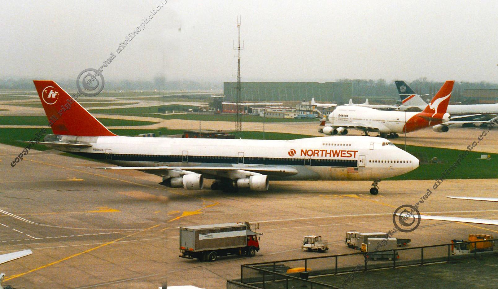 N609US-Northwest-747-MAN-1993.jpg