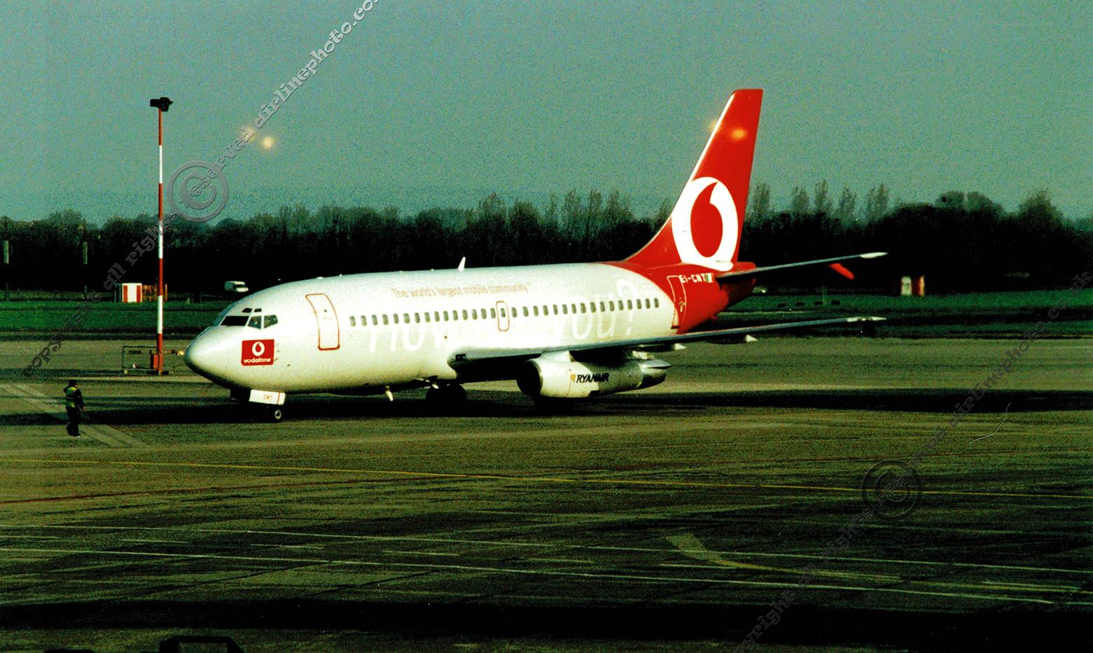 EI-CNT_737_DUB_2002.jpg