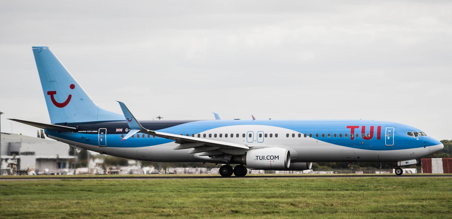 Boeing 737 Next Gen - MSN 37265 - C-GFWD