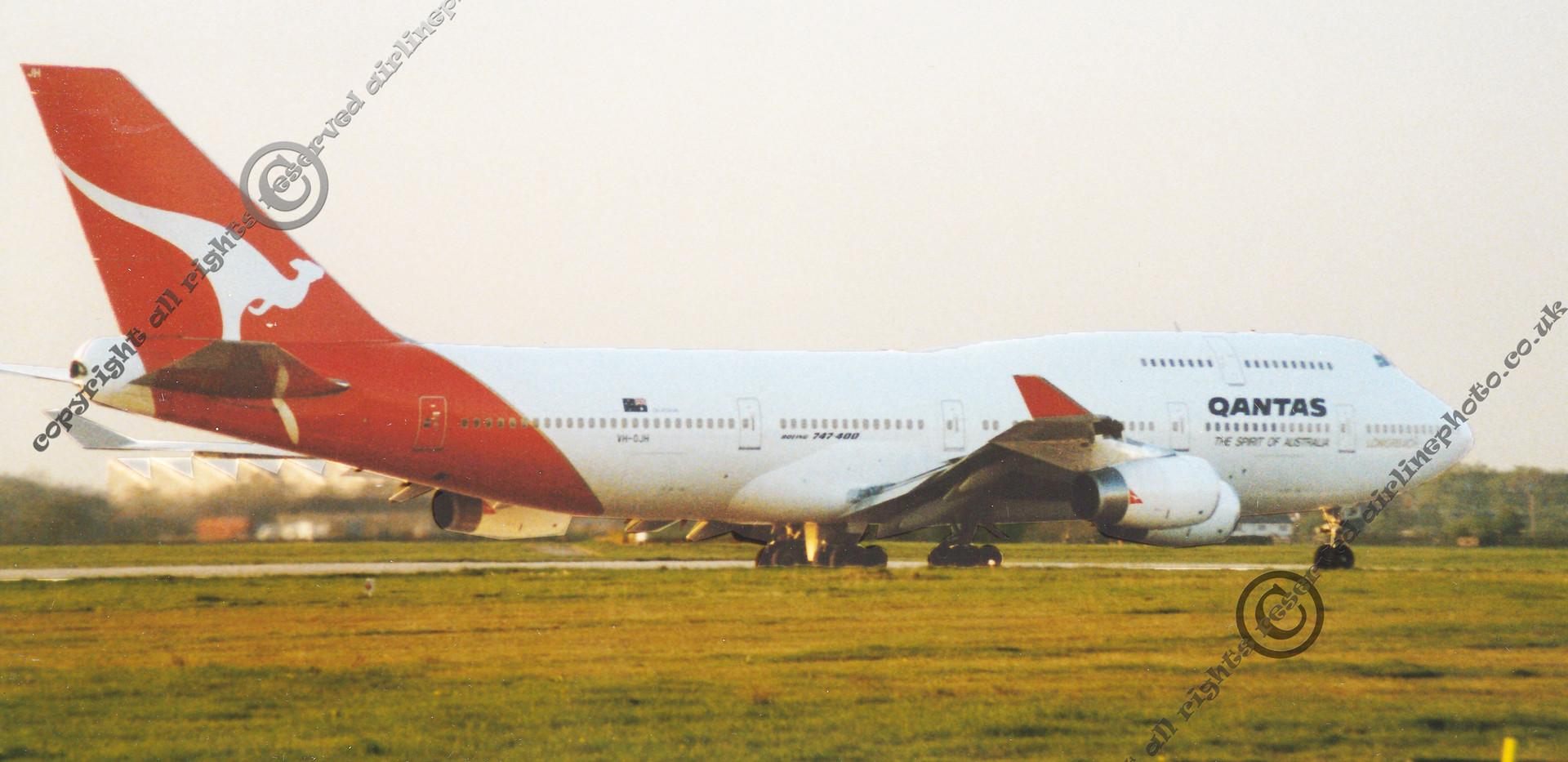 VH-OJH-Qantas-Boeing-747-MAN-1991.jpg
