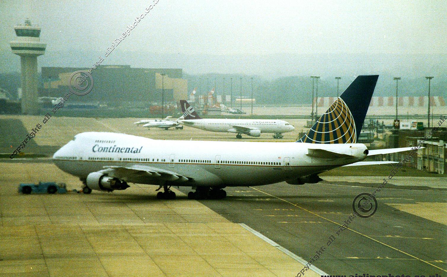 N17025-Continental-747-238B-Gatwick-1993