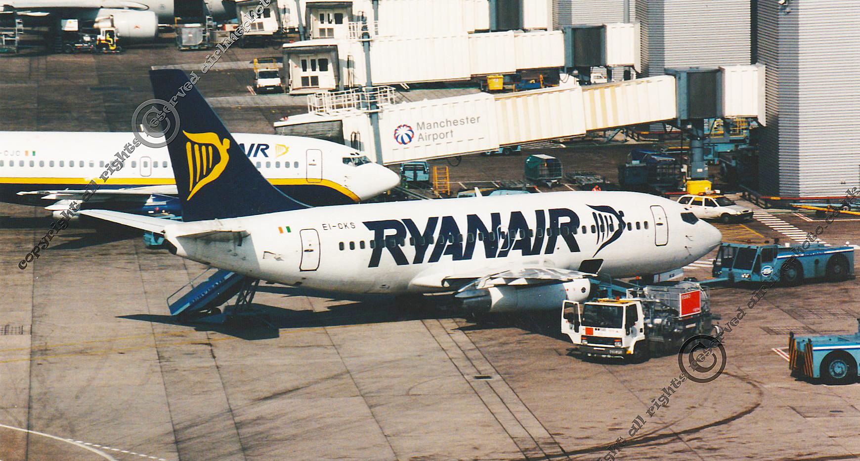 EI-CKS-Ryanair-737-MAN-1994.jpg