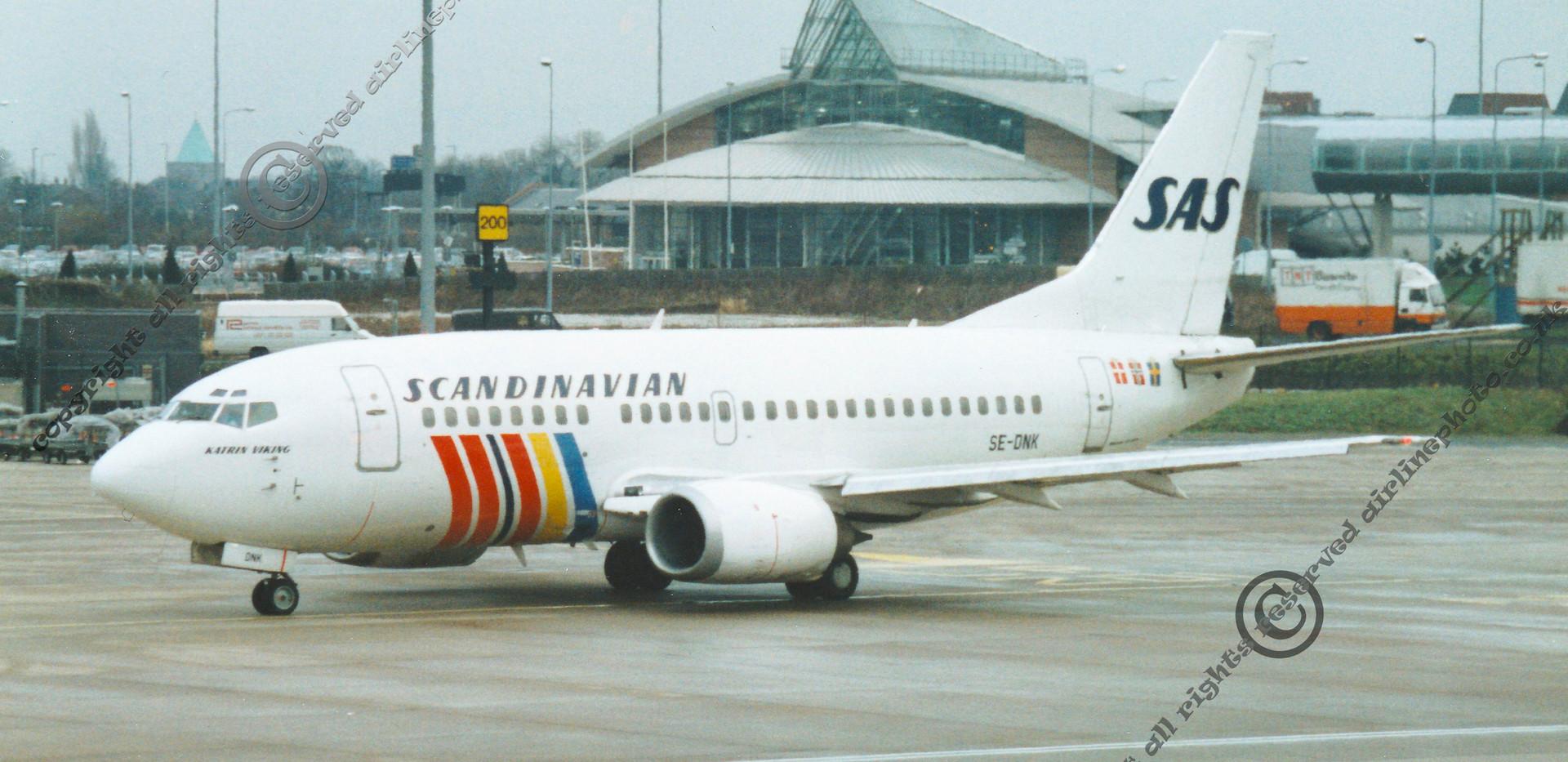 SE-DNK-SAS-737-Machester-1993.jpg