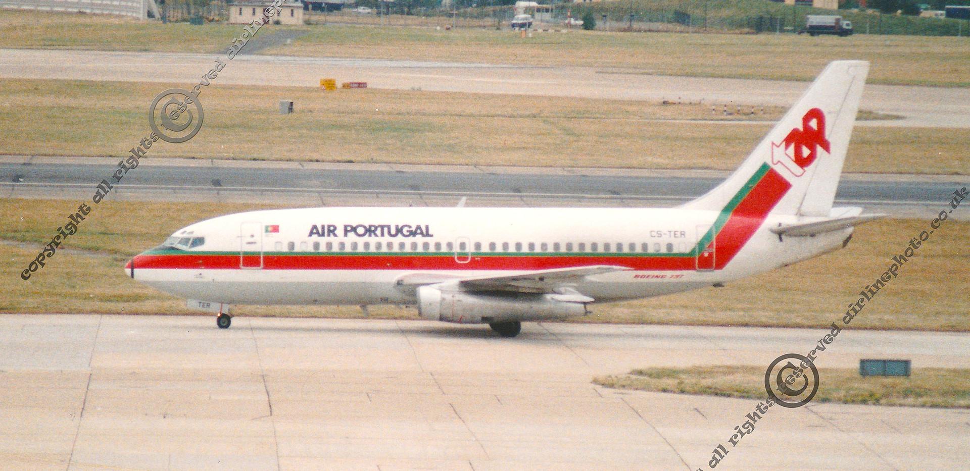 CS-TER-Boeing-737-Heathrow-1989.jpg