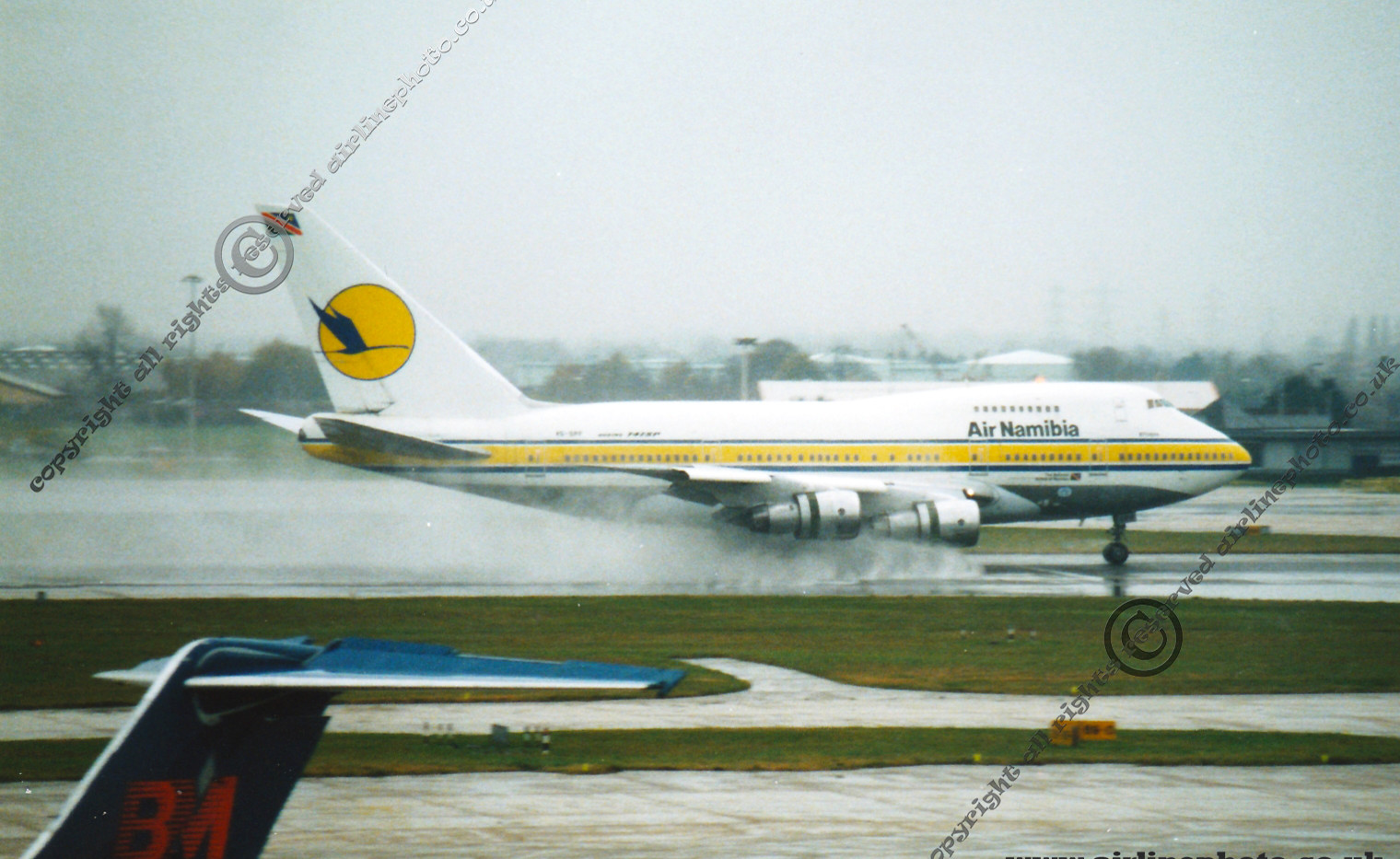 V5-SPF-Air-Nambia-Boeing-747-LHR-1993.jp