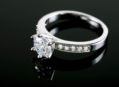 宝石商が伝えたい、ブライダルリングにおすすめしたい金属について(プラチナ編)