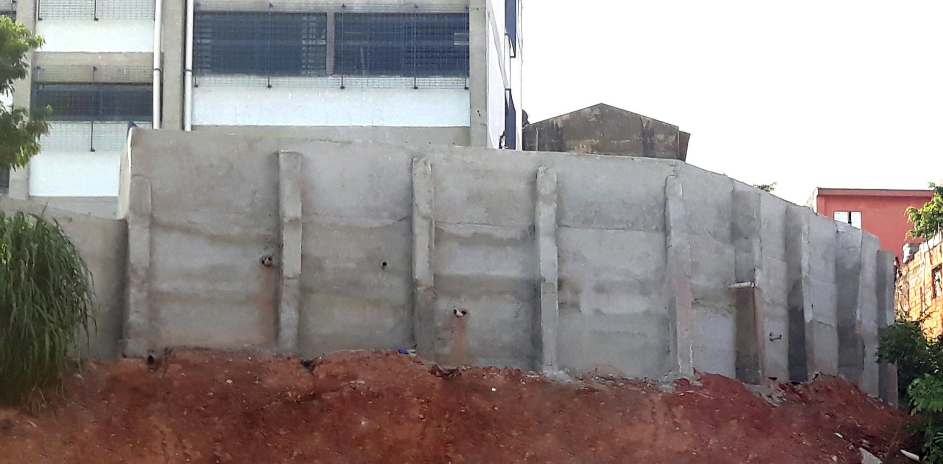 Projeto e Construção de Muro de Contenção