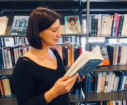 Marie L., Libraire Kube