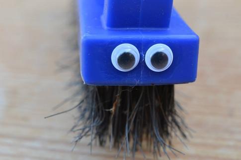 Googly eye brush.jpg