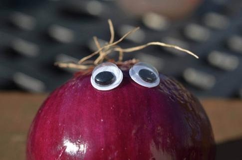 Googly eye onion 2.jpg