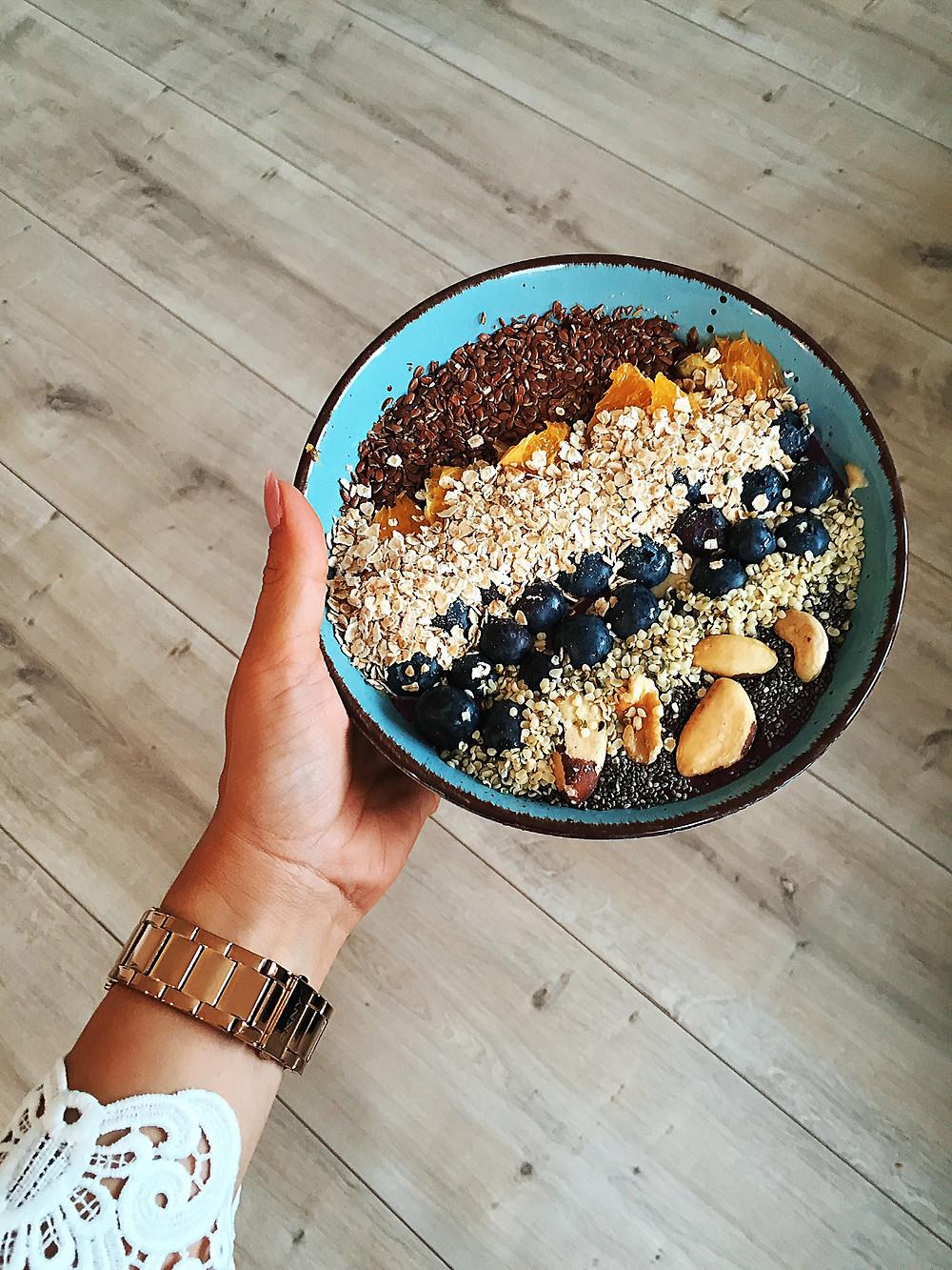 Fitfood - Gesunde und leckere Frühstücks Smoothie Bowl