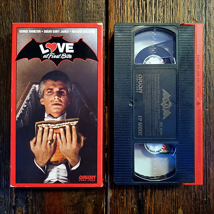 LOVE AT FIRST BITE - VHS