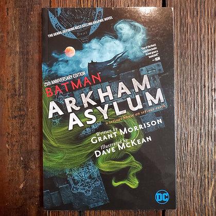 BATMAN : ARKHAM ASYLUM Graphic Novel (Grant Morrison & Dave McKean)