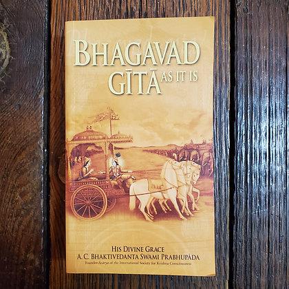 BHAGAVAD-GĪTĀ AS IT IS : A.C. Bhaktivedanta Swami Prabhupāda - Paperback