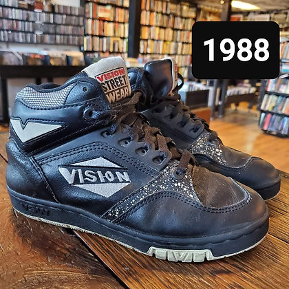 Original 1988 VISON STREET WEAR Size 5 High Top Shoes