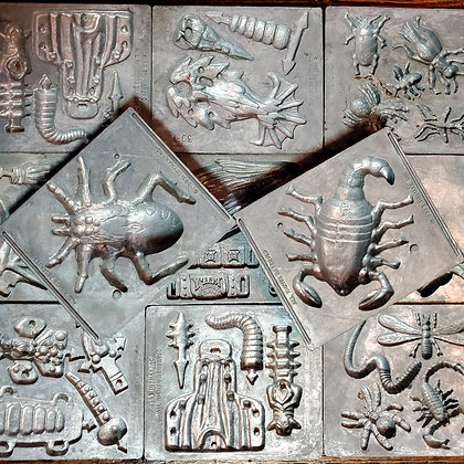 11 Vintage CREEPY CRAWLERS Metal Mold Plates from 1993/1994
