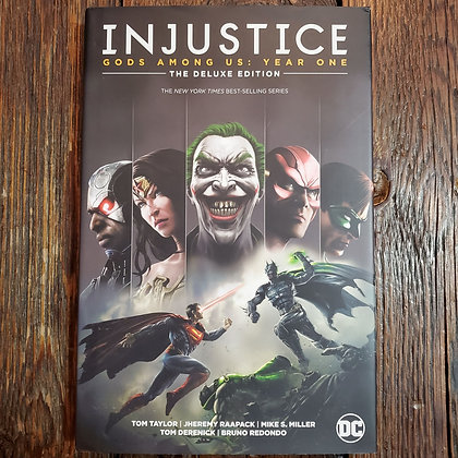 INJUSTICE Gods Among Us Year One -  Deluxe Hardcover